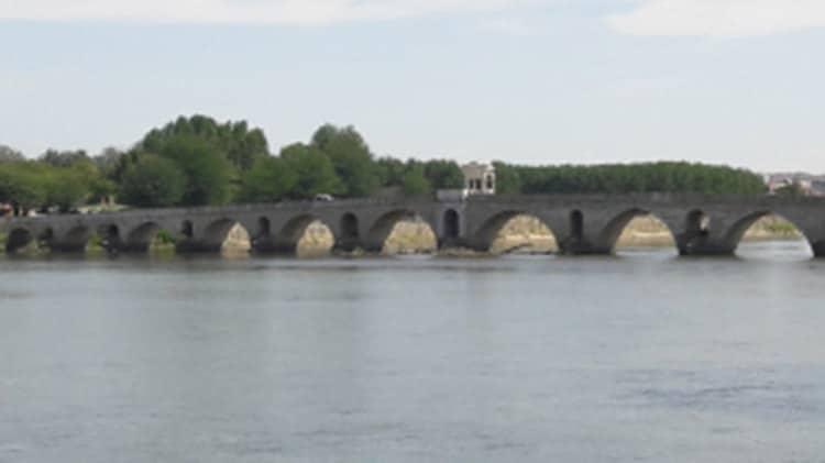 pont de Mimar Sinan à Edirne en Turquie