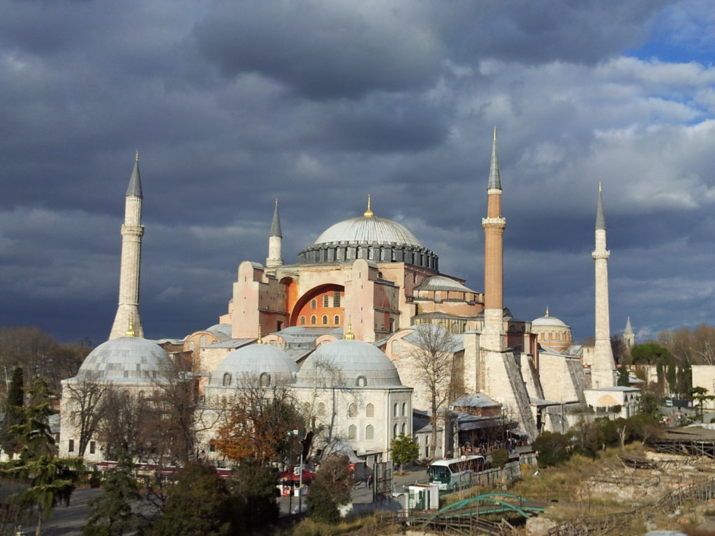 vue sur la Sainte-Sophie, à Istanbul, Turquie