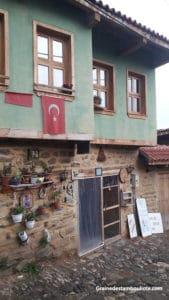 maison traditionnelle ottomane de cumalikizik en turquie près de bursa