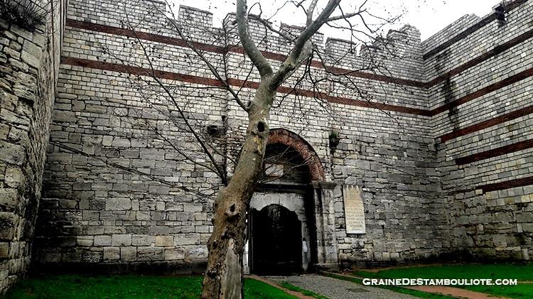 Porte d'Edirne à Istanbul -,ancienne Porte de Charisius sur la muraille de Constantinople, par laquelle Mehmet Fatih dit le Conquérant rentre dans Constantinople le 29 mai 1453