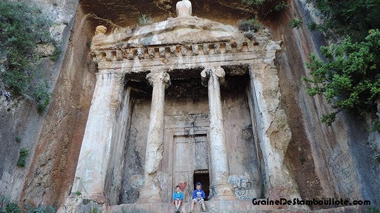 tombeau lycien d'amyntas à Fethiye en Turquie