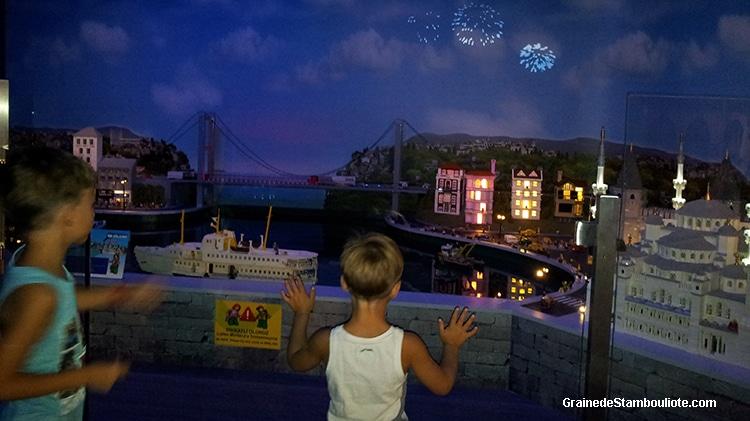 parc Legoland, construction en légo de la maquette d'Istanbul et parc d'attraction