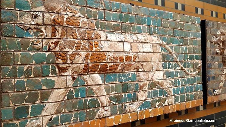 Babylone, porte Ishtar, Lion, voie processionnelle, brique peinte émaillée
