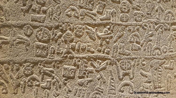 hiéroglyphes Hittites, Hattusa, langue louvite